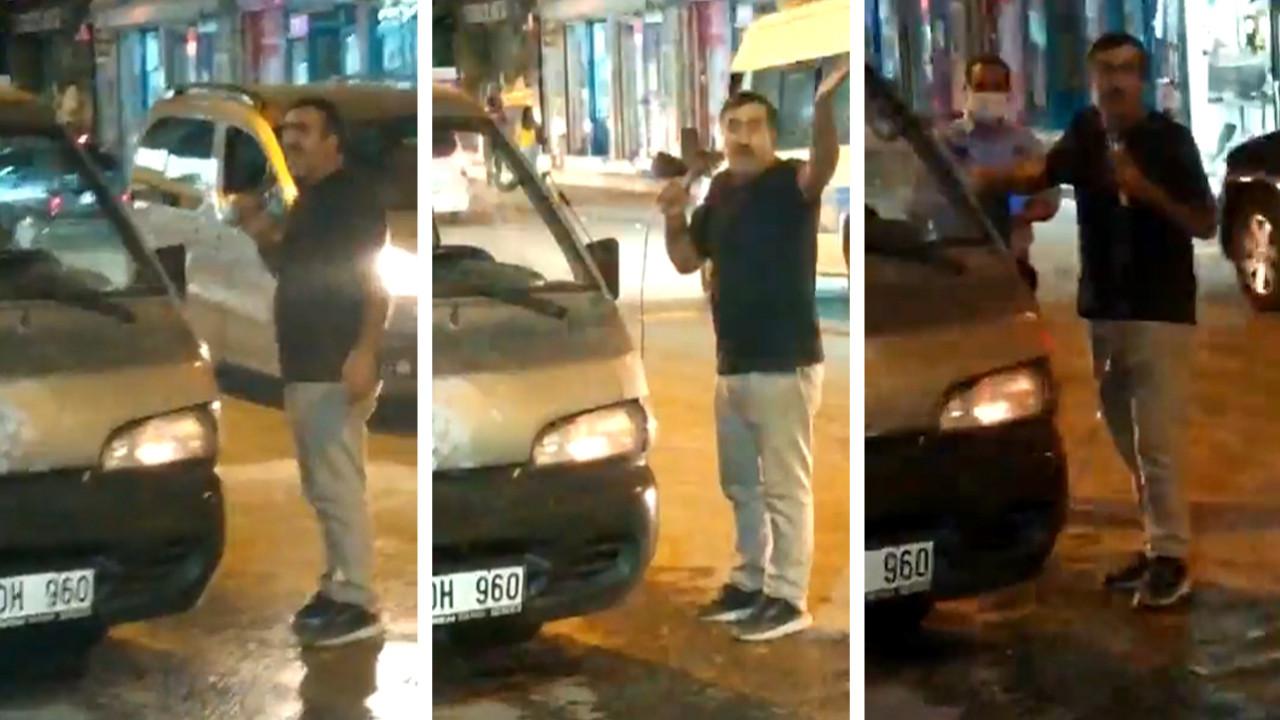 Zamlara isyan eden vatandaş eline mikrofon alıp sokağa indi ve...