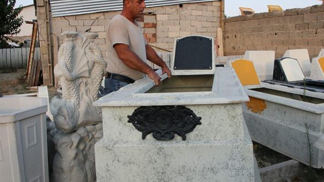 Bu mezarın ömrü 90 yıl: Cam tozu ve elyaftan yapılıyor