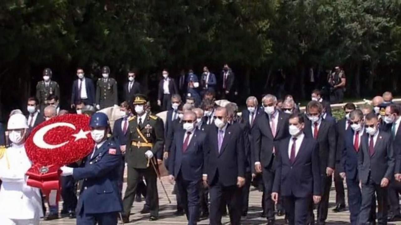 Cumhurbaşkanı Erdoğan Anıtkabir'de Anıtkabir Özel Defteri'ne bunları yazdı
