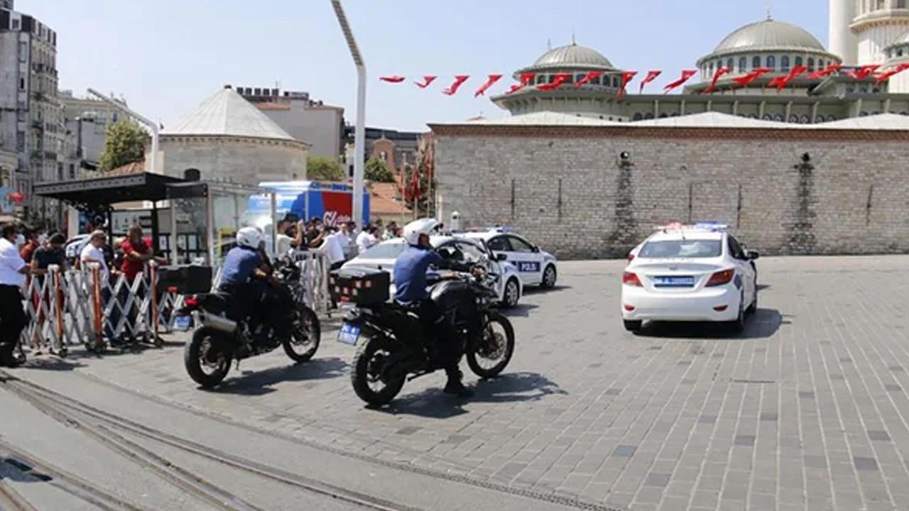 Taksim ve Sultanahmet meydanları kapatıldı