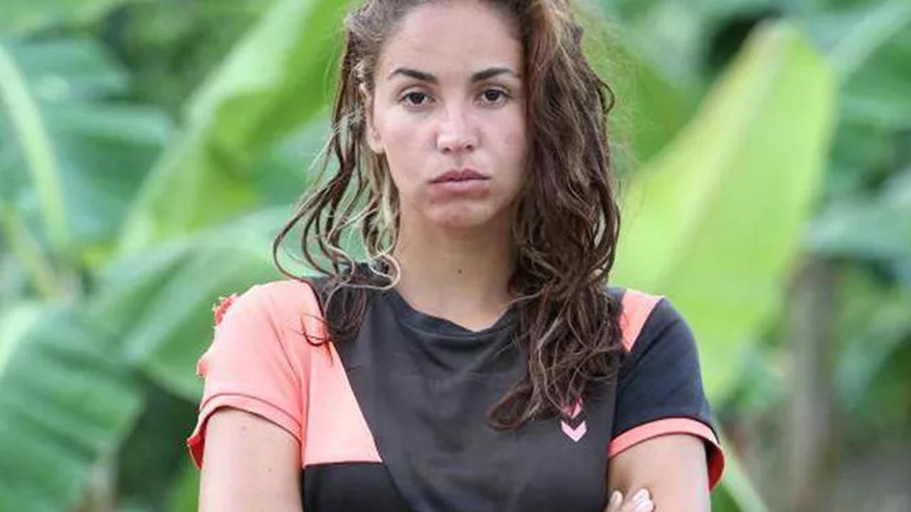 Survivor yarışmacısı Berna Keklikler mayolu pozlarıyla büyüledi