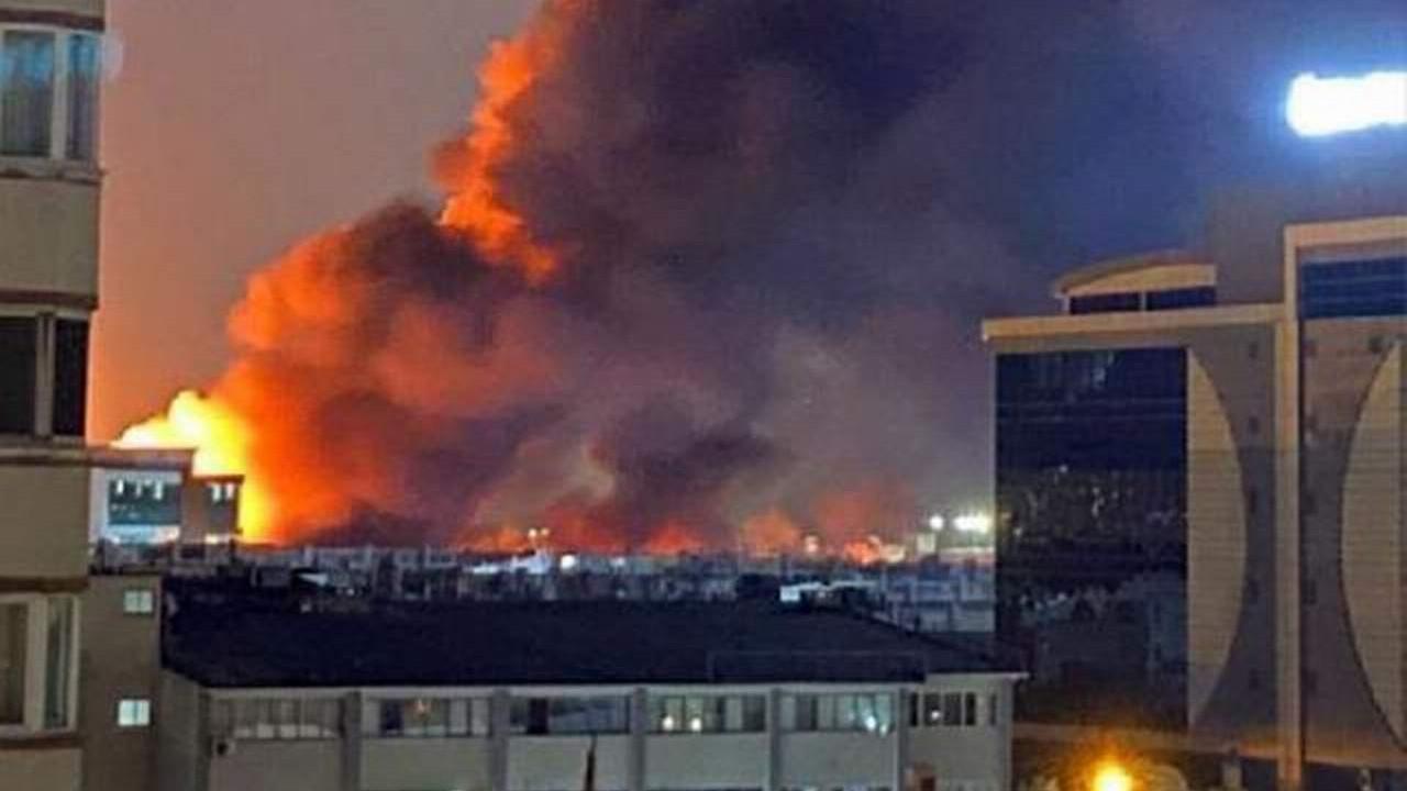İstanbul'da büyük yangın! Patlama sesleriyle alevler gökyüzünü sardı