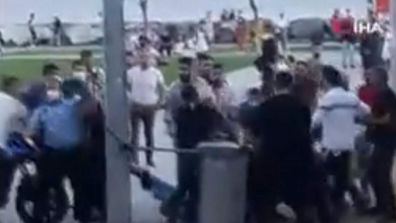 İstanbul'da sahilde ortalık savaş alanına döndü