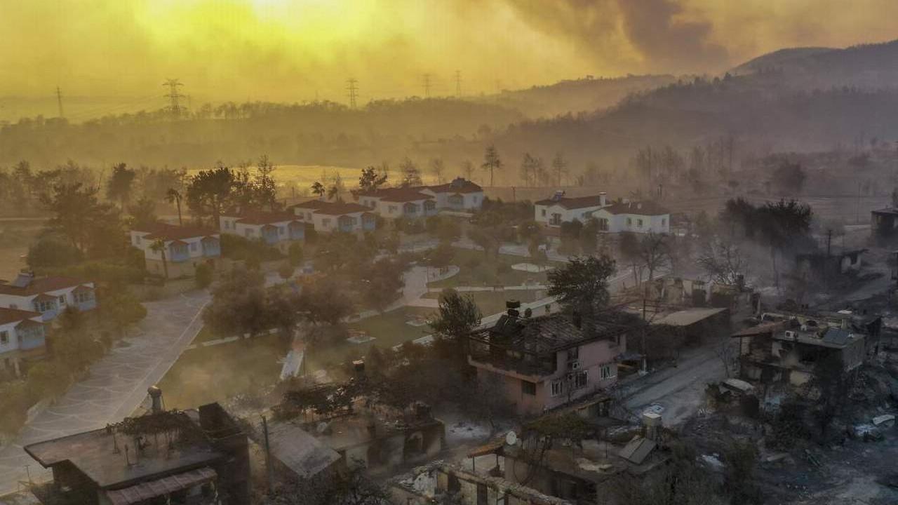 Bakan Pakdemirli Türkiye'yi yakıp kavuran orman yangınlarının nedenini açıkladı