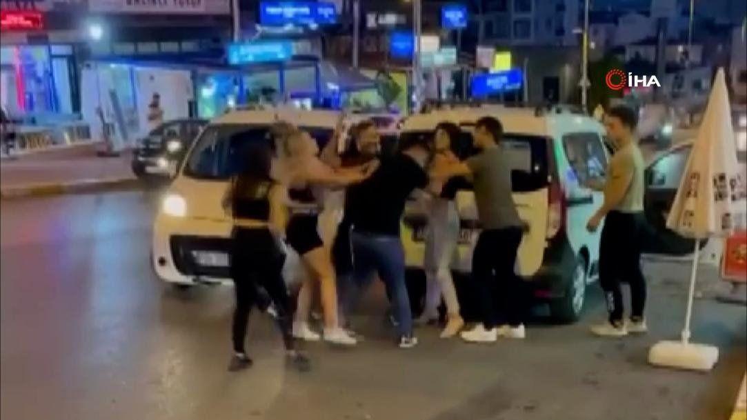 TikTok'çu gençler İstanbul'u birbirine kattı - Resim: 3
