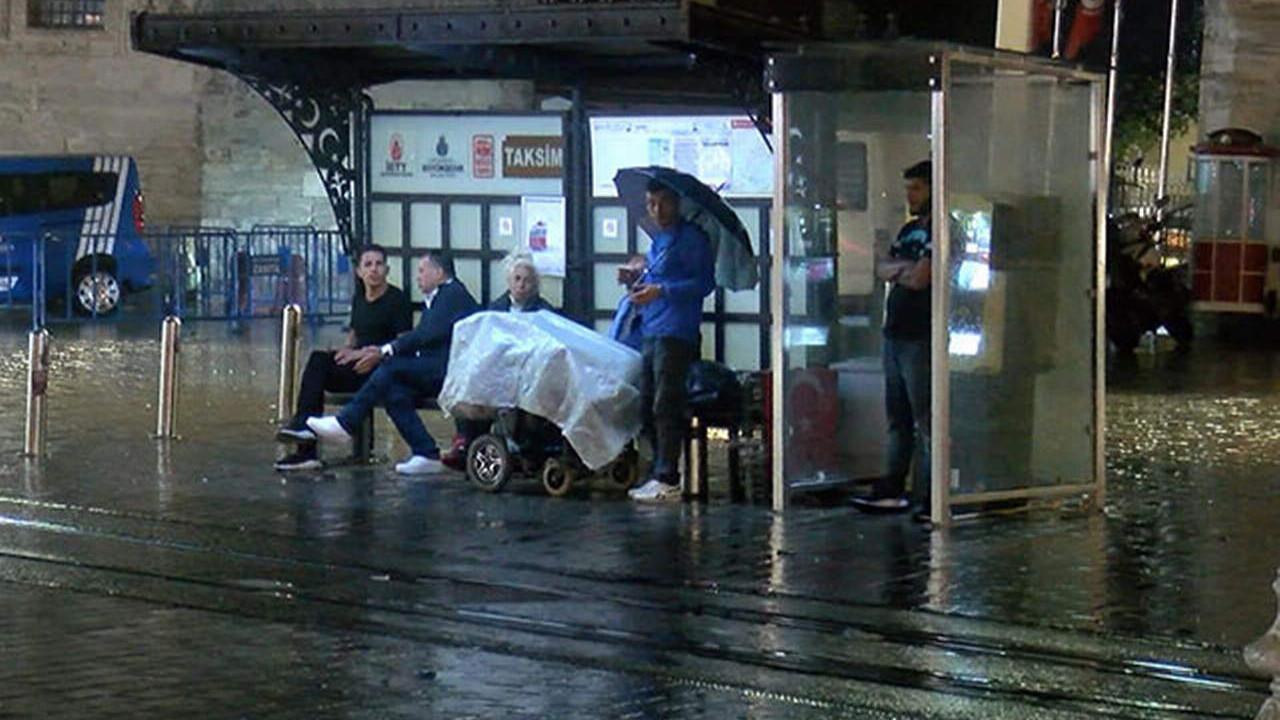 İstanbullular yeni güne yağmurla başladı