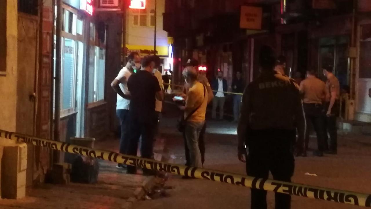 Sokak ortasında kanlı çatışma: Ölü ve yaralılar var