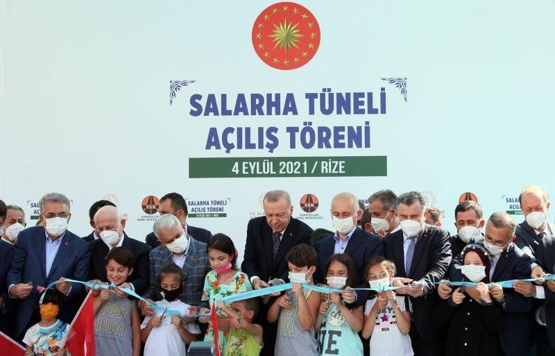 Erdoğan'ın açılış törenindeki dikkat çeken diyaloğu: ''Ulan oğlum bu ne hal ?''