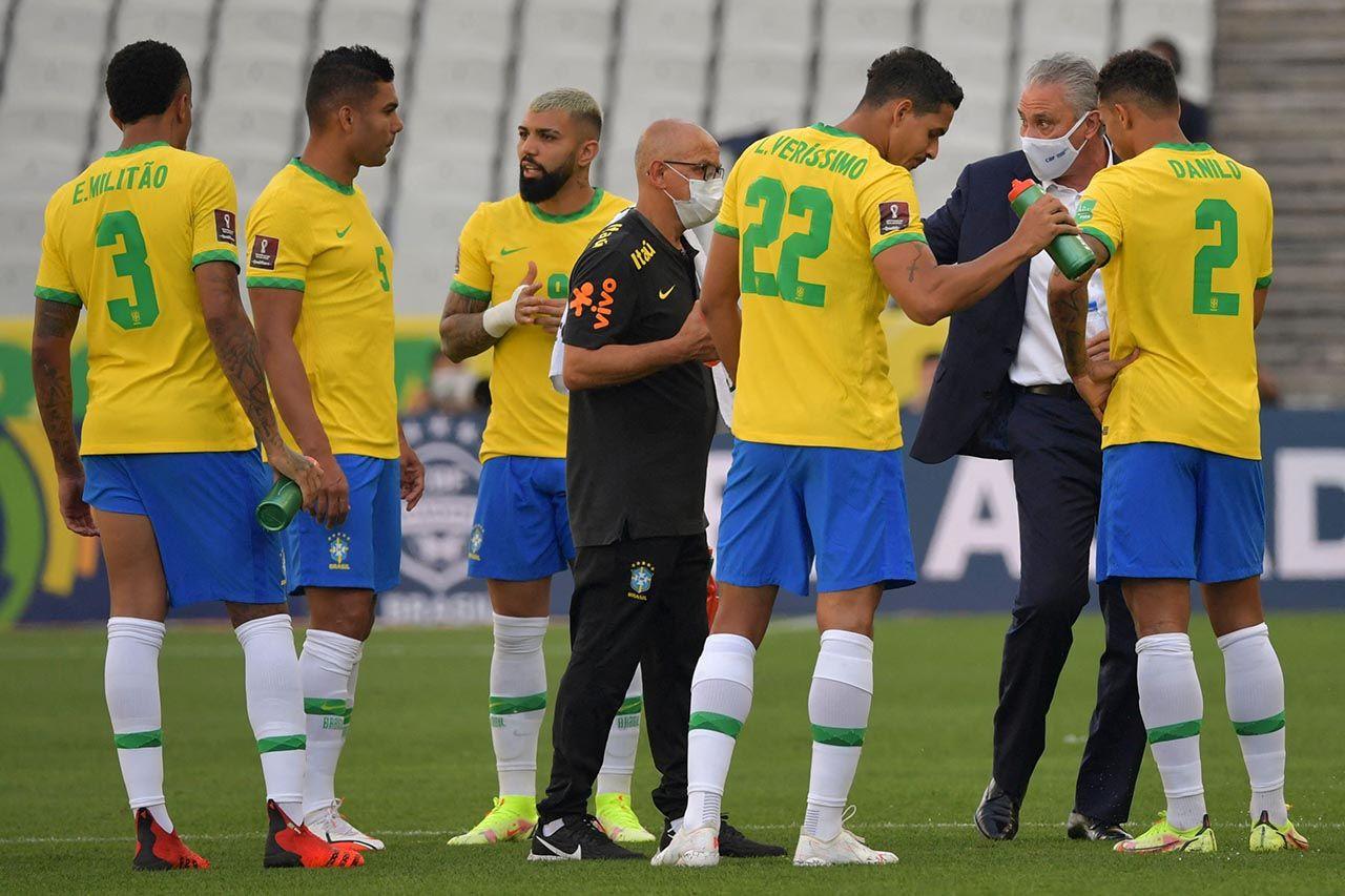 Brezilya-Arjantin maçında kaos! Maç yarıda kaldı - Resim: 3