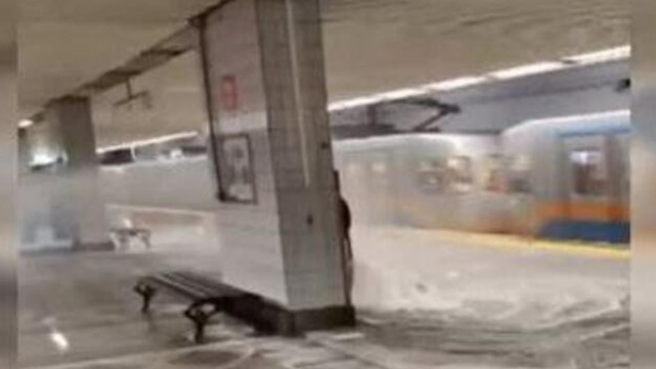 İstanbul metrosunda intihar girişimi ve su baskını! Seferler aksıyor