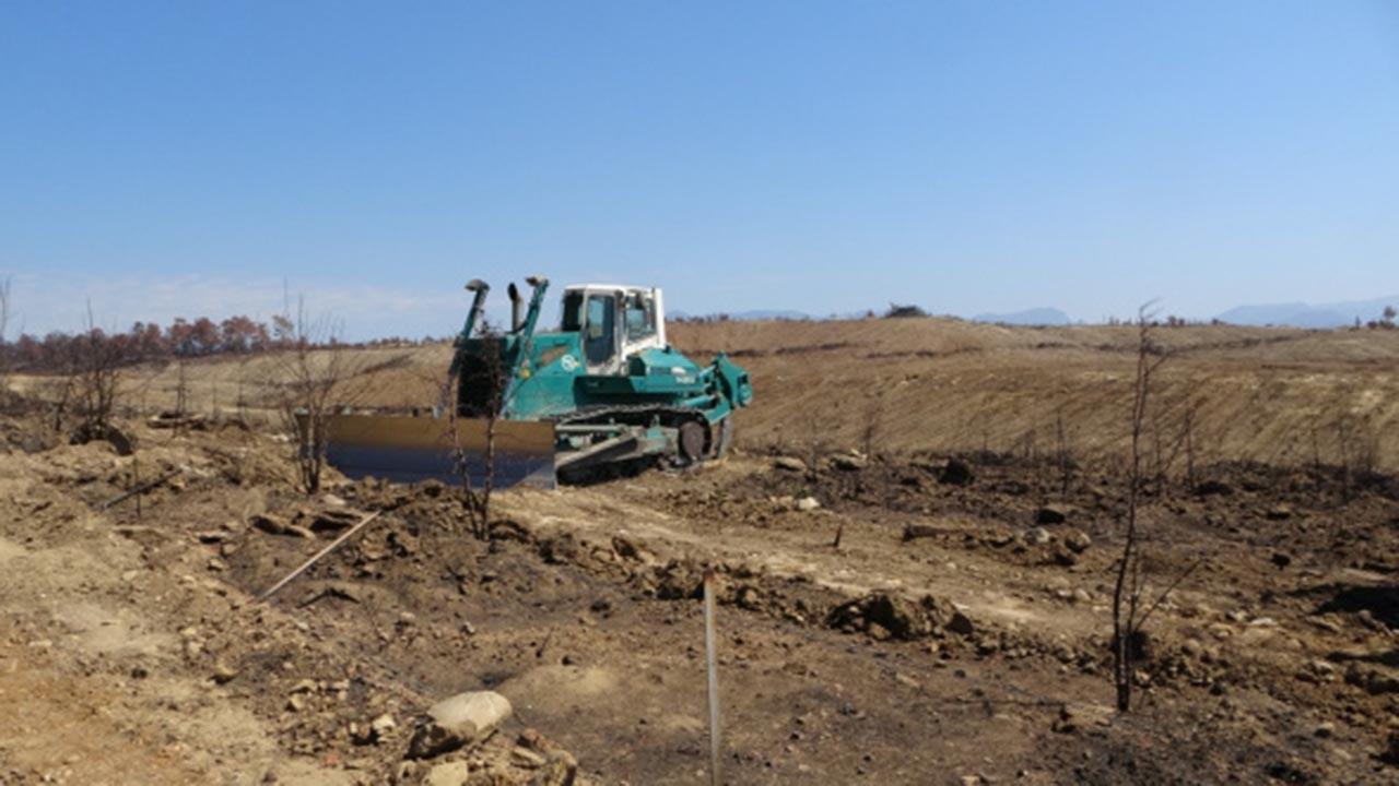 Manavgat'ta yanan ormanlık alanlarda çalışmalar başladı