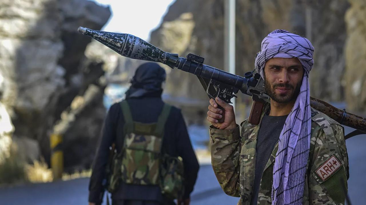 Taliban duyurdu: Direnişçilerin lideri yurtdışına kaçtı