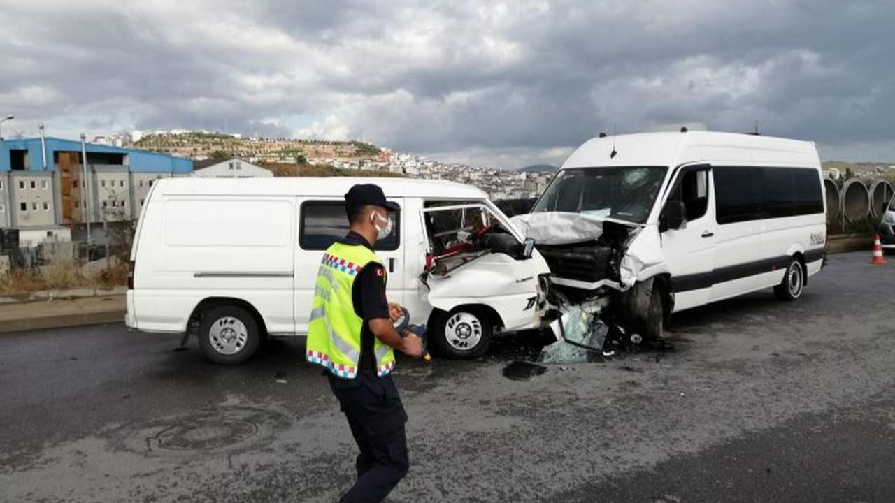 İstanbul'da okul servisi kaza yaptı: 4 yaralı