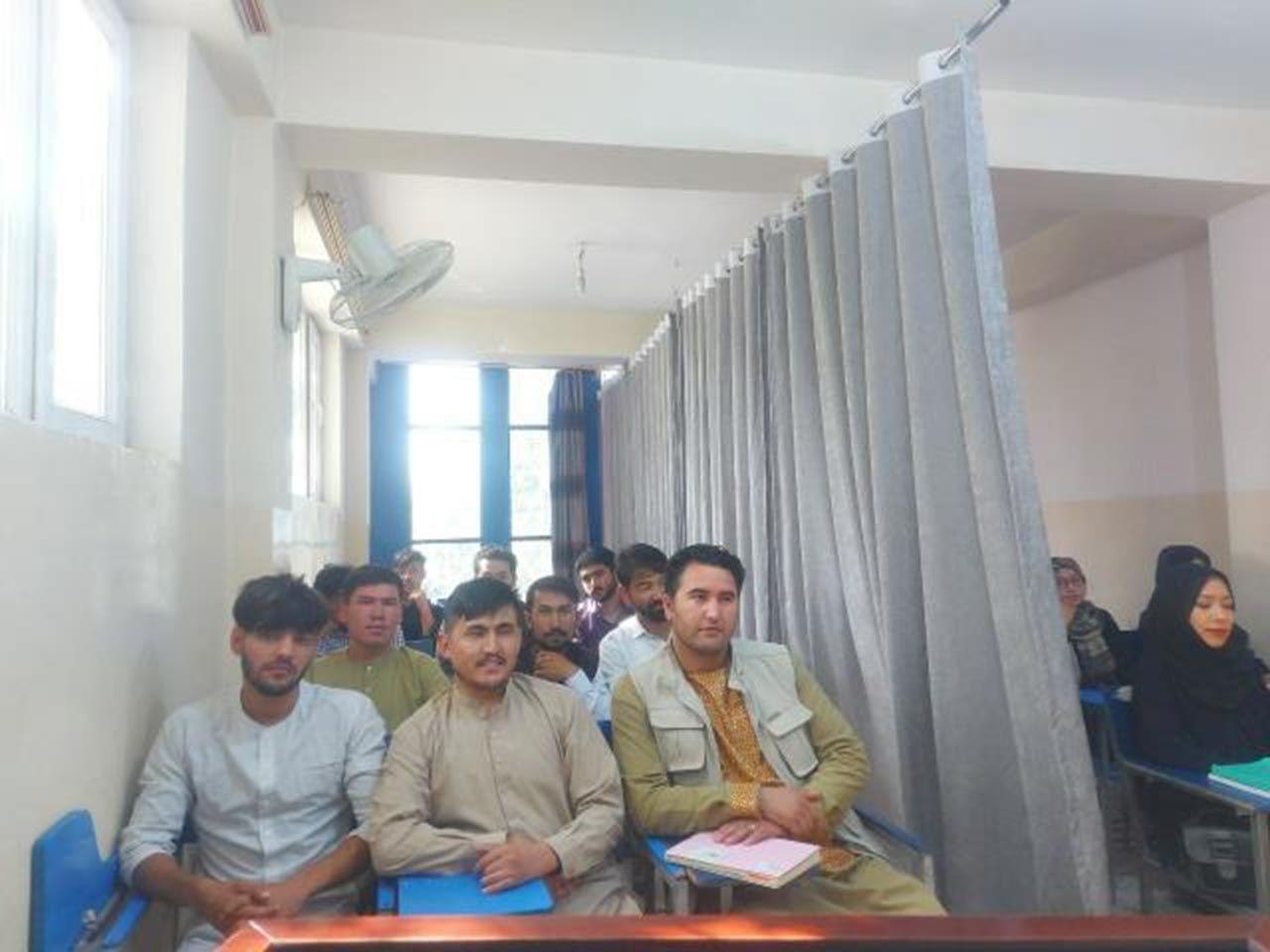Taliban sonrası okullar böyle açıldı - Resim: 3