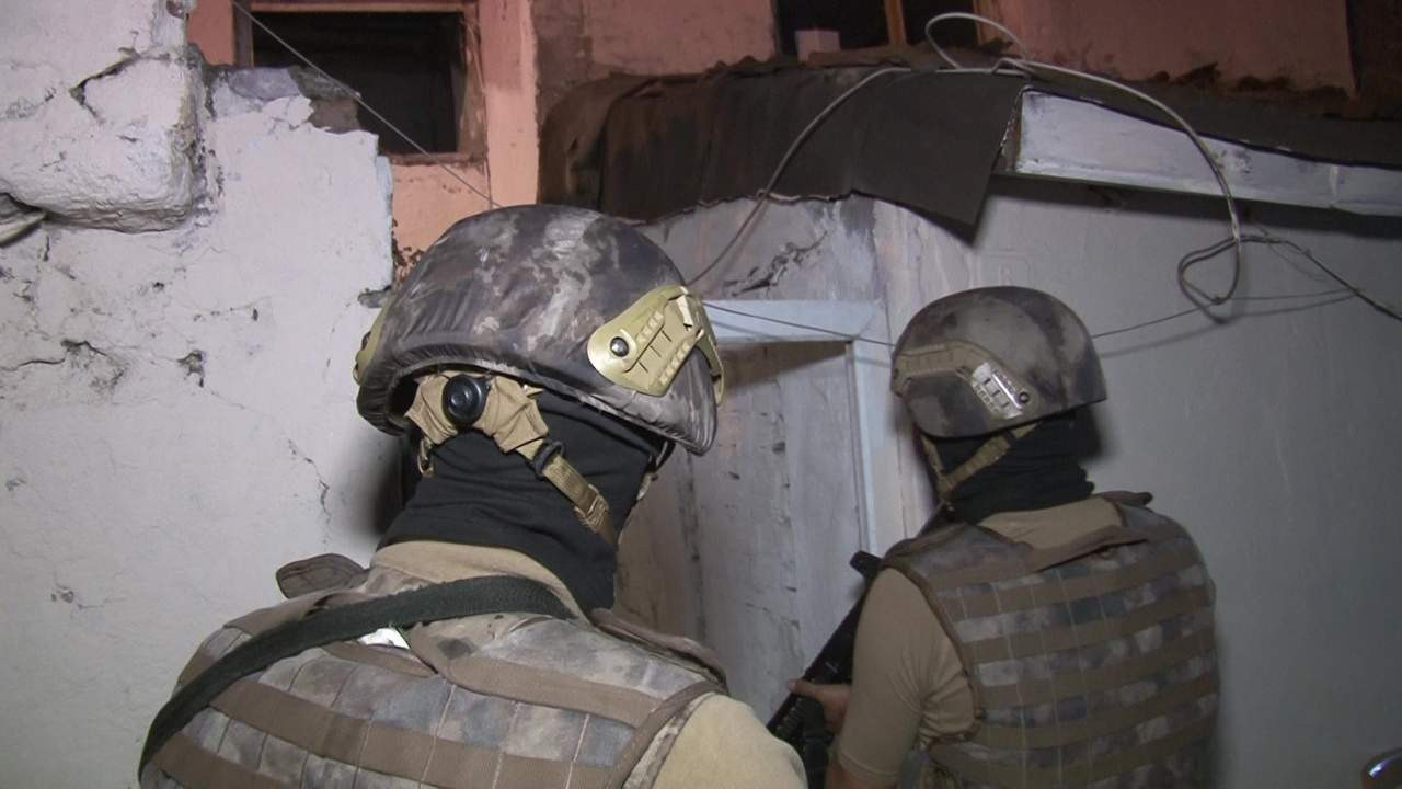 İstanbul'da 8 ilçede uyuşturucu operasyonu