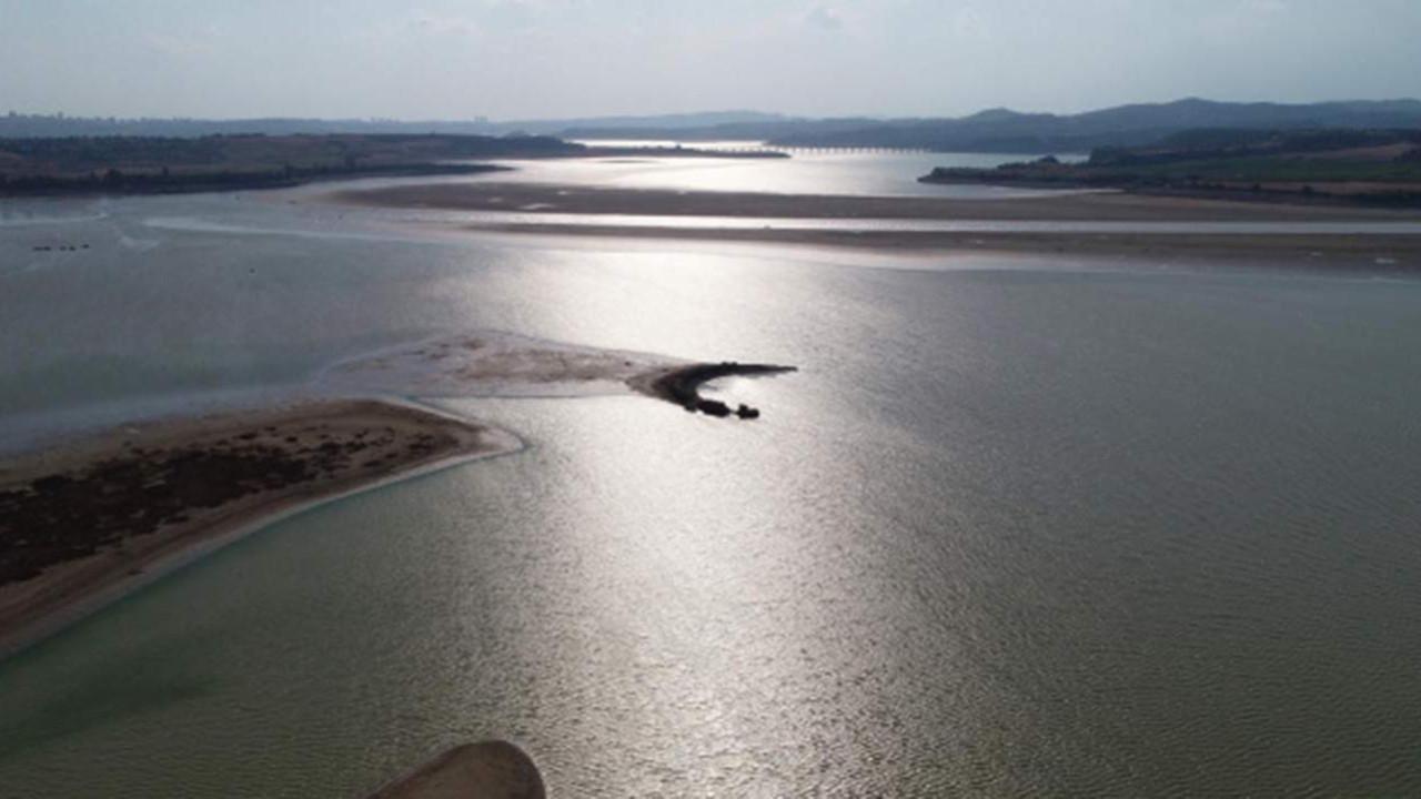 Burası Adana... Sular çekilince ortaya çıktı