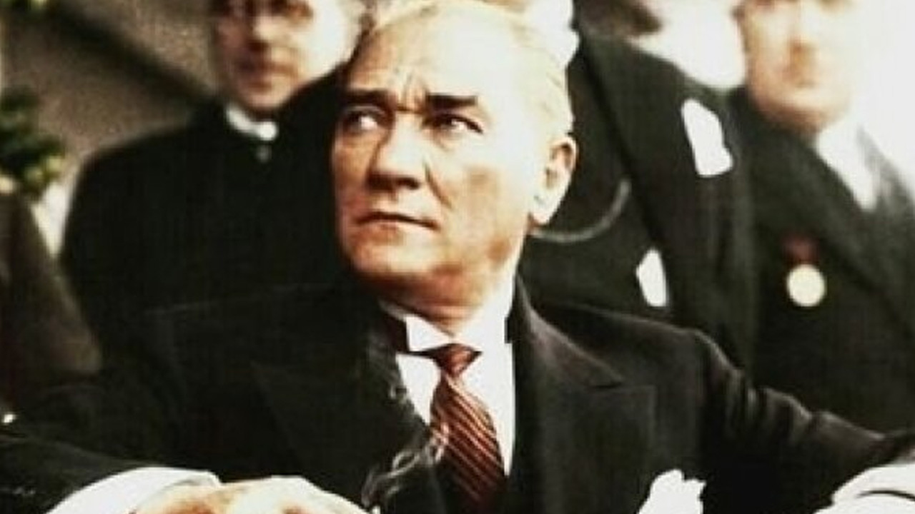 Güney Kıbrıs'ta küstah talimat: ''Kitabın Atatürk sayfasını yırtın''
