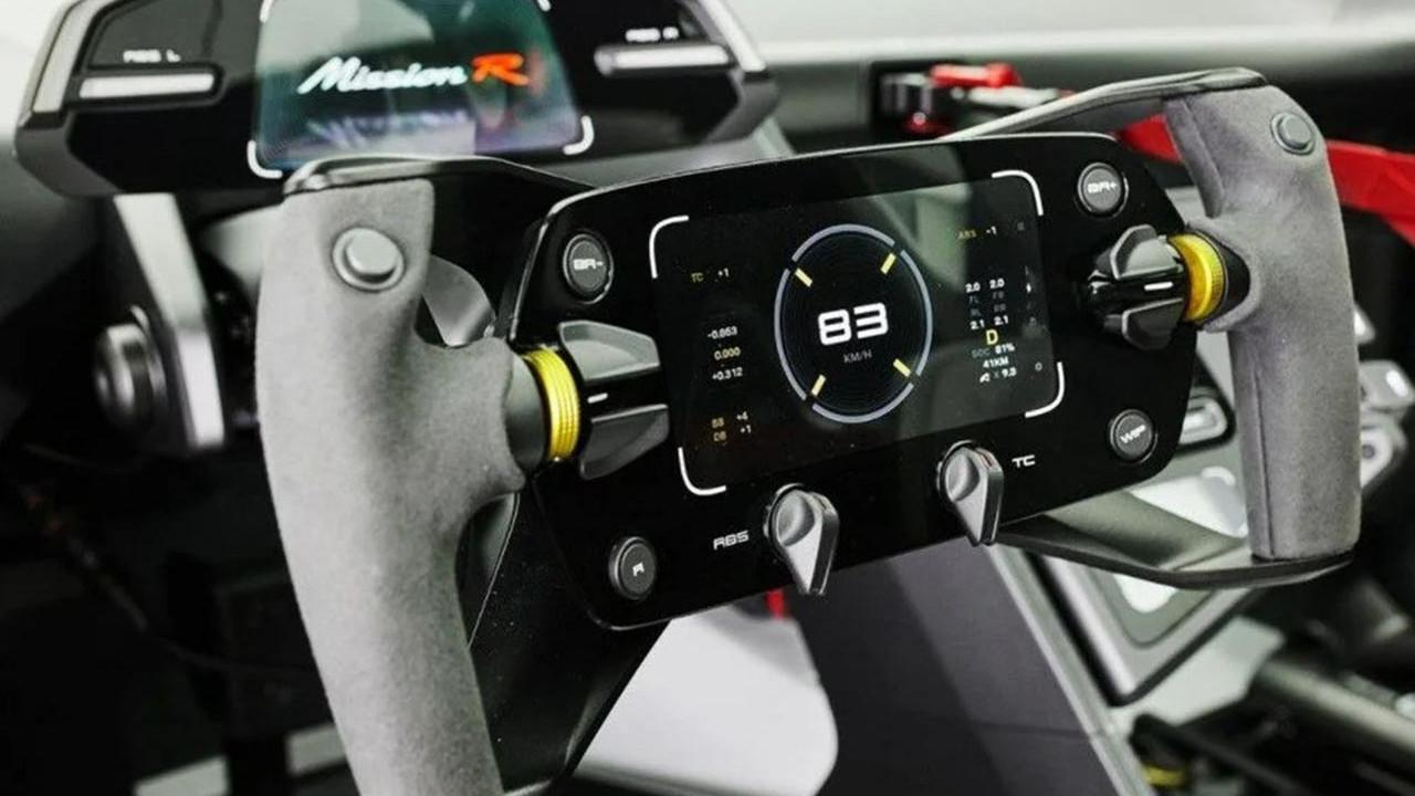 Porsche'un tam 1.088 beygirlik, elektrikli canavarı ortaya çıktı