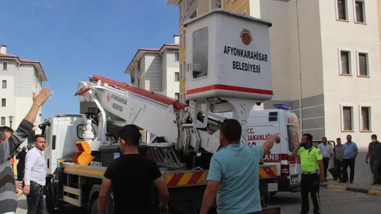 Merdivensiz itfaiye skandalı: Yangından kurtulmak için 4. kattan atladılar!
