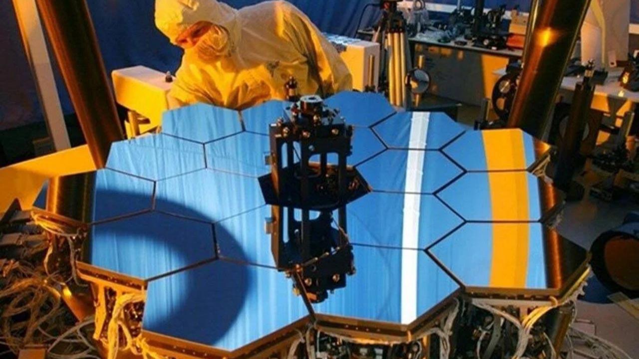 NASA, James Webb Uzay Teleskobu'nu fırlatmaya hazırlanıyor