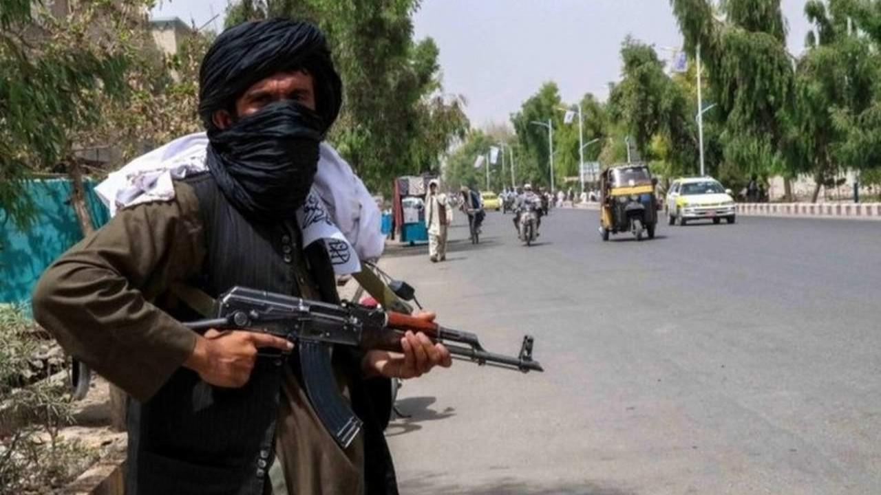 Taliban'a maske ve aşı yardımı
