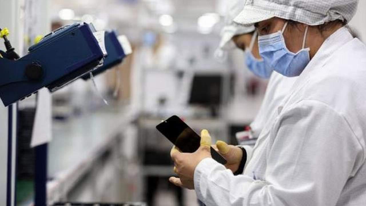Akıllı telefonlara ''Türkiye'de üretim'' dopingi! Fiyatlar değişti