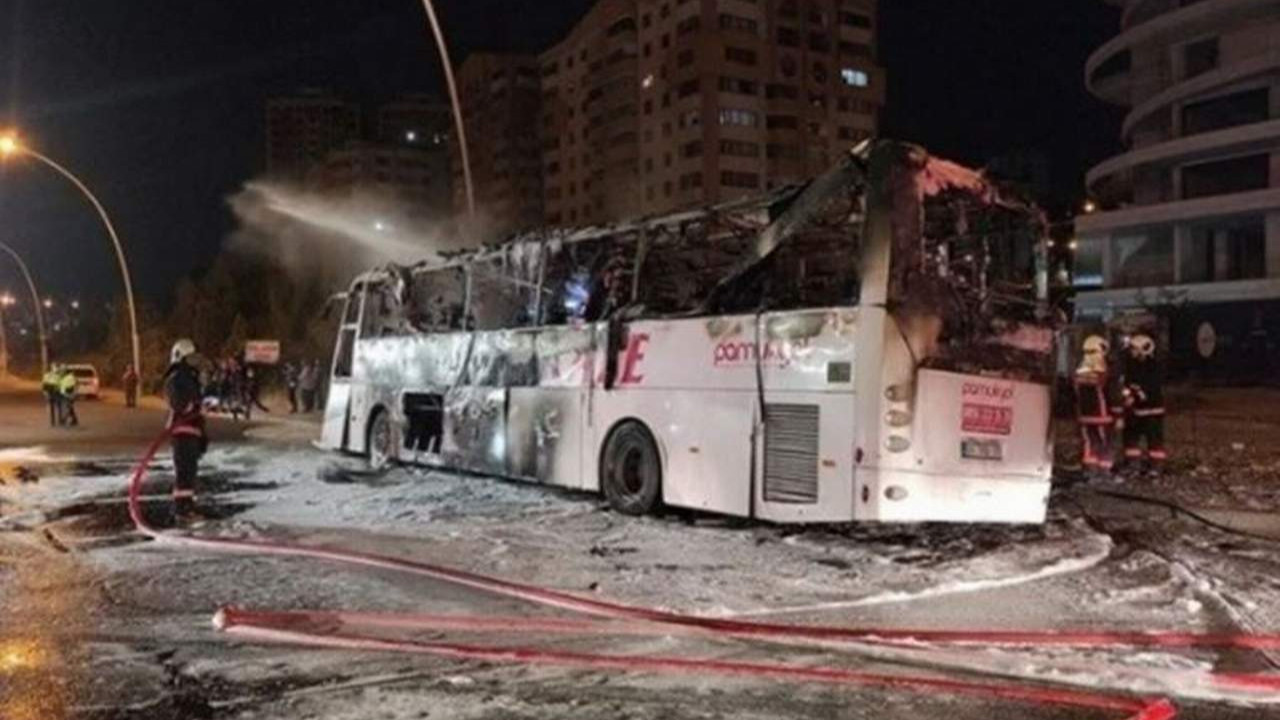 Ankara'da yolcu otobüsü yandı: Ölü ve yaralılar var
