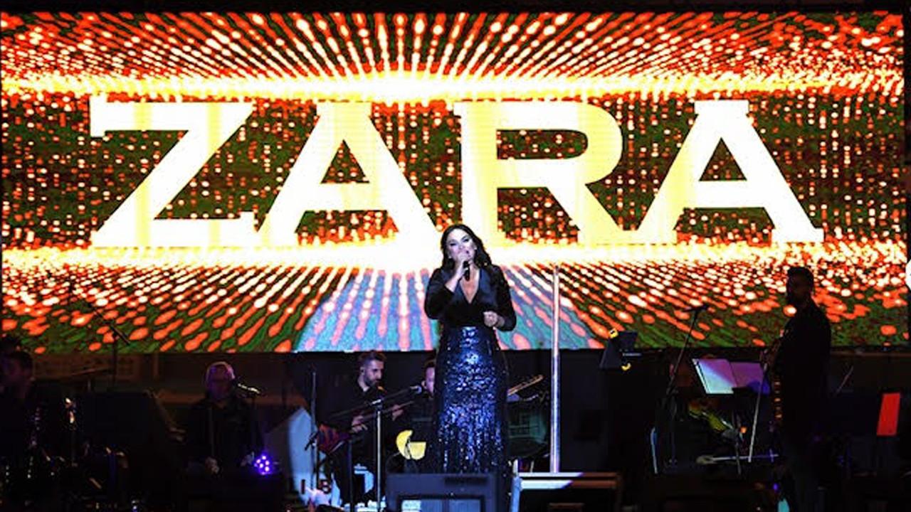 Sakarya Zaferi'nin 100'üncü yıl coşkusu: Binlerce vatandaş Zara konserine akın etti