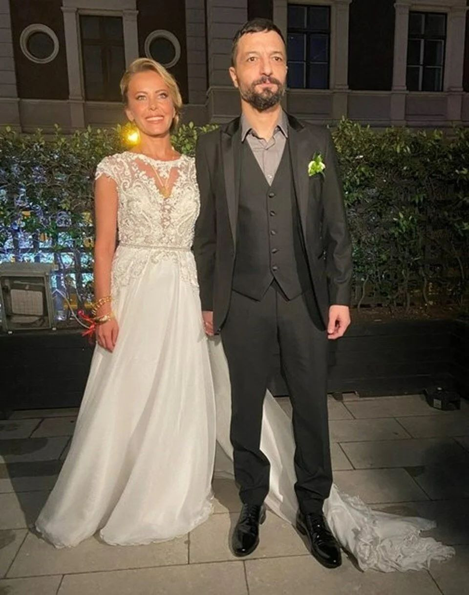 Vildan Atasever - Mehmet Erdem evliliği için o iddia özür diletti - Resim: 1