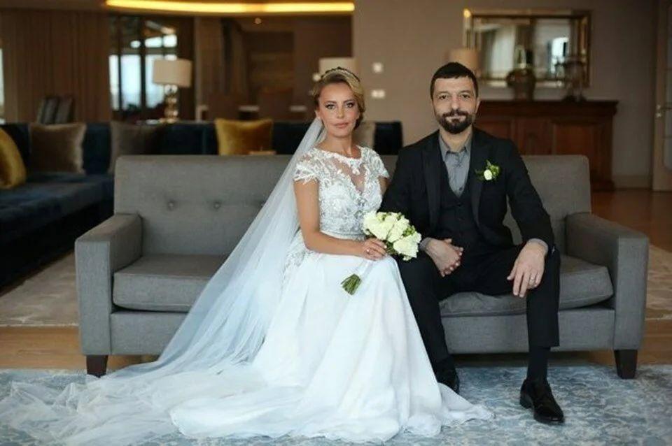 Vildan Atasever - Mehmet Erdem evliliği için o iddia özür diletti - Resim: 2