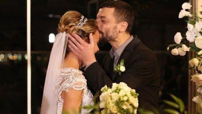 Vildan Atasever - Mehmet Erdem evliliği için o iddia özür diletti - Resim: 4