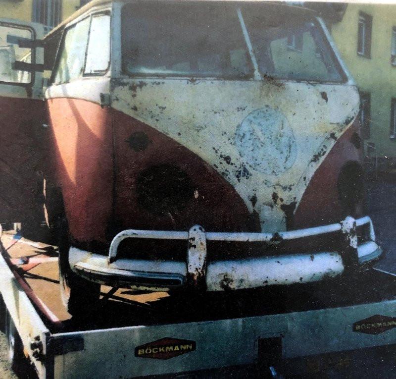 Hurdalıktan aldığı 1964 model Volkswagen T2'yi öyle bir yeniledi ki...