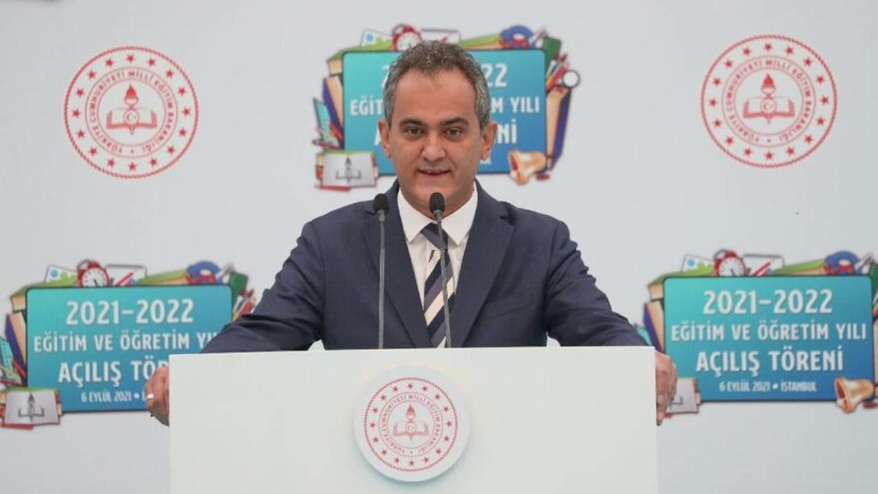 Milli Eğitim Bakanı Özer'den okullarda zorunlu aşı ve zorunlu PCR testi açıklaması