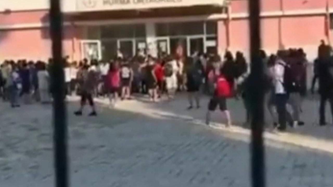 Öğretmenden öğrencilere skandal sözler kamerada