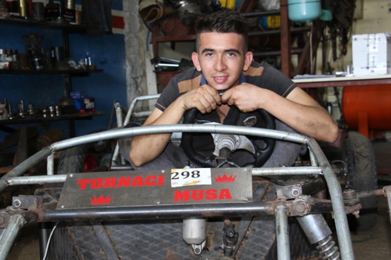 Genç usta hayalini gerçekleştirip kendi arabasını yaptı - Resim: 4