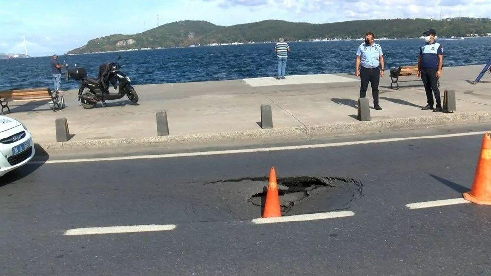 İstanbul'da sahil yolunda çökme - Resim: 1