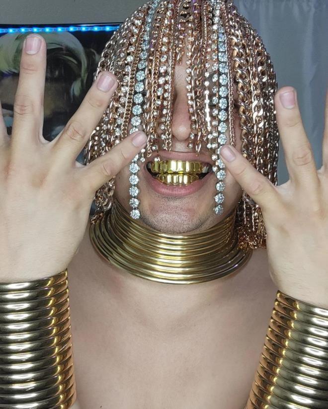 Ünlü rapçi kafasına ameliyatla kanca taktırıp kafasını altınla donattı - Resim: 4