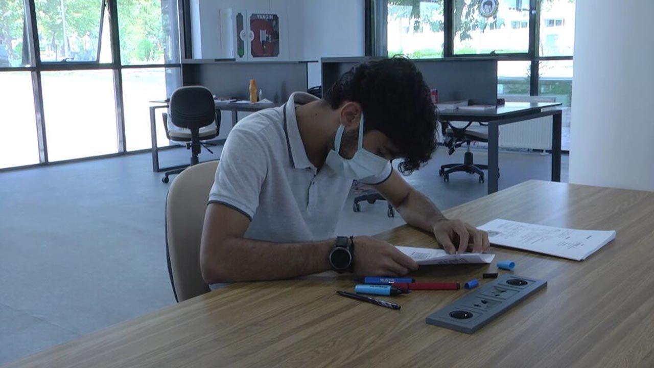 İnşaatında çalıştığı kütüphaneye tıp öğrencisi olarak geri döndü - Resim: 4