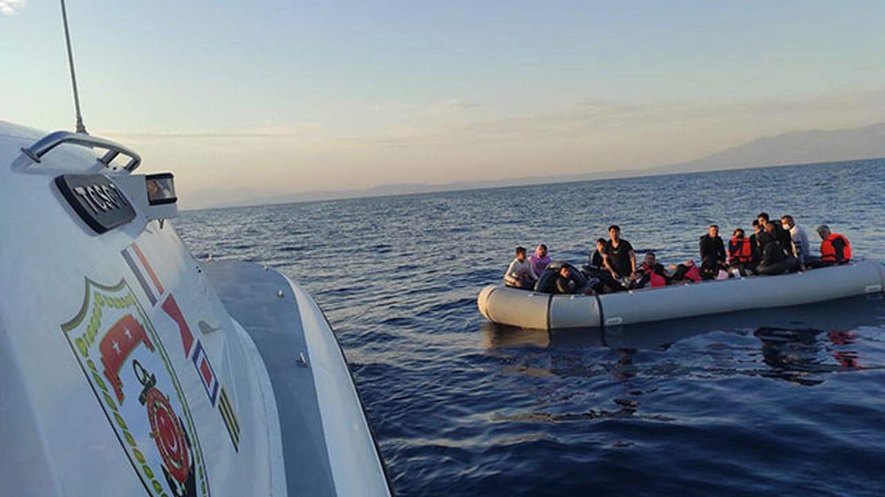 Yunanistan'ın ölüme ittiği 49 kaçak göçmen daha kurtarıldı
