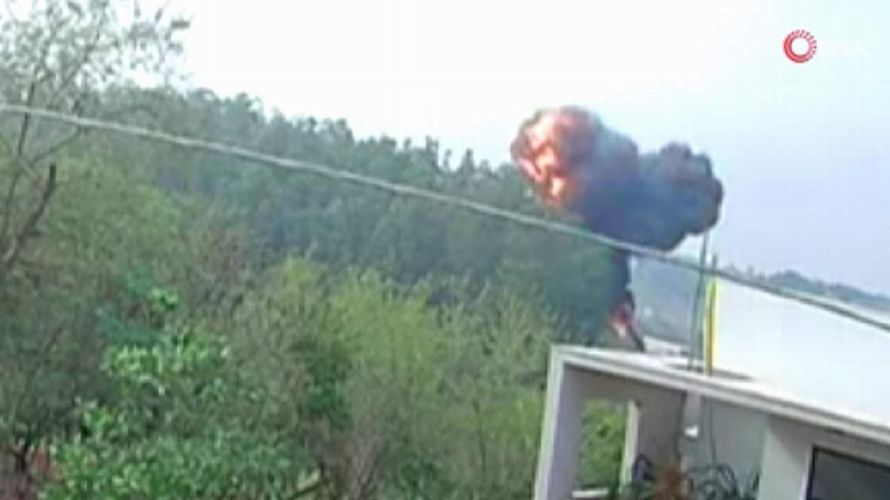 Uçağın yere çakıldığı anlar kamerada! 7 kişi öldü
