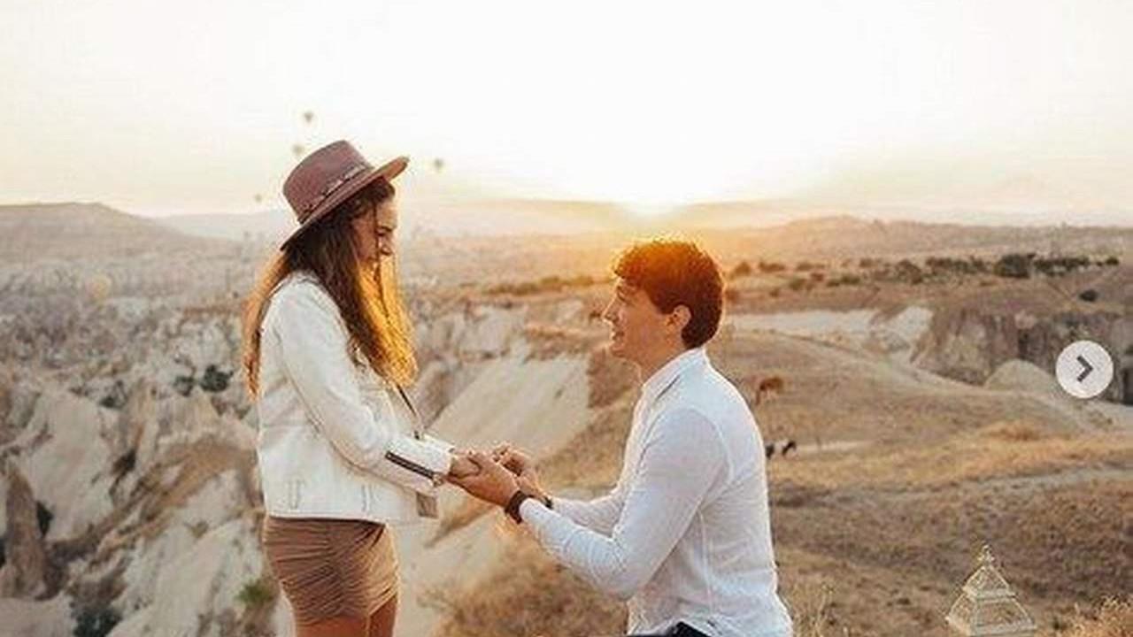 Cedi Osman'ın evlilik teklifine ''evet'' diyen Ebru Şahin o anları paylaştı