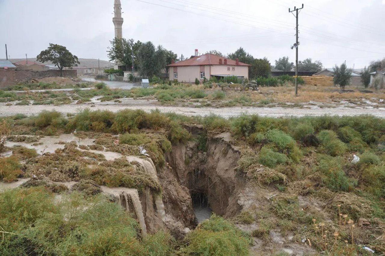 Yağış sonrası tüm şehirde oluşan dev çukurların nedeni açıklandı - Resim: 4