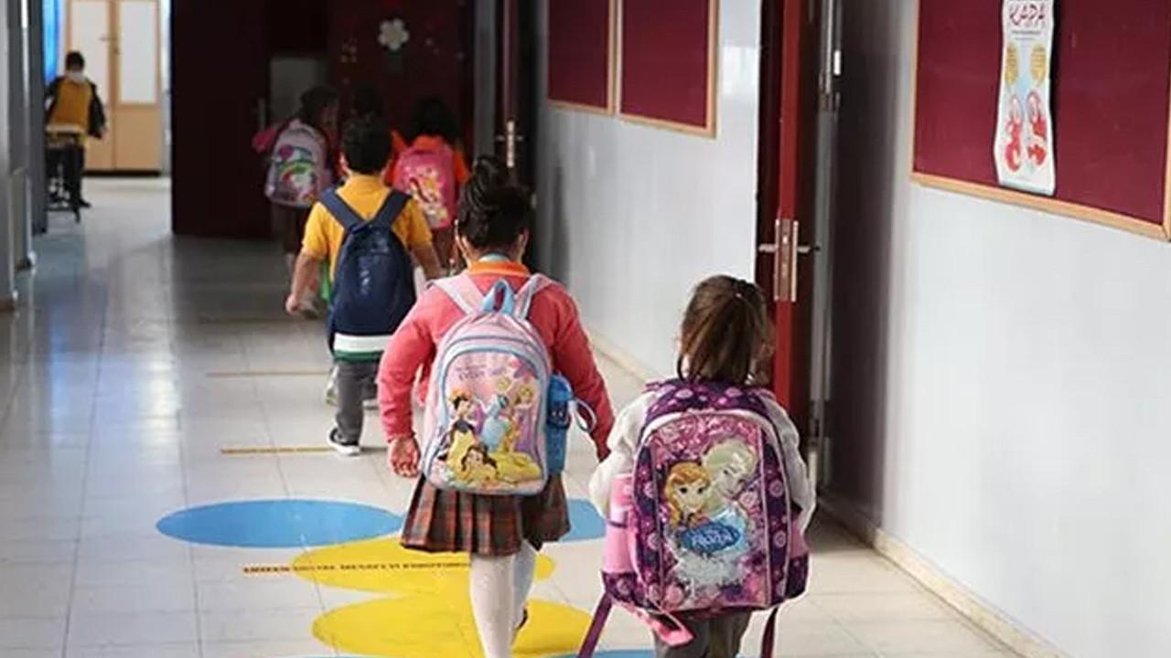 Okulların açılmasıyla birlikte göz muayenesine giden çocuk sayısı arttı