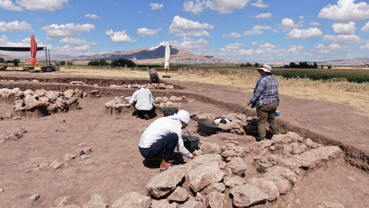 Diyarbakır'daki Çayönü Höyüğü'nde tarihi keşif! 5 bin yaşındalar! - Resim: 1