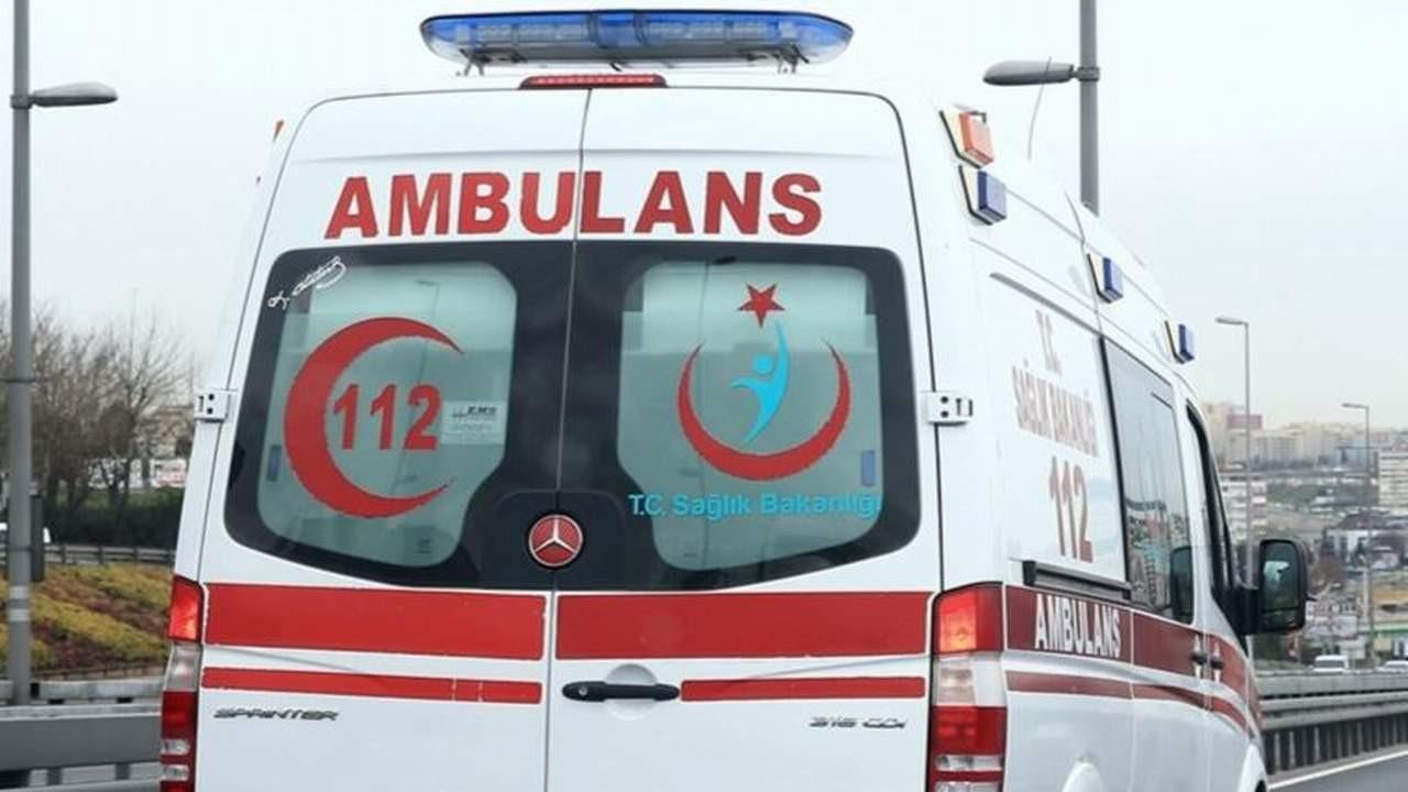 TIR ile öğrenci servisi çarpıştı: 3'ü öğrenci 4 kişi yaralandı