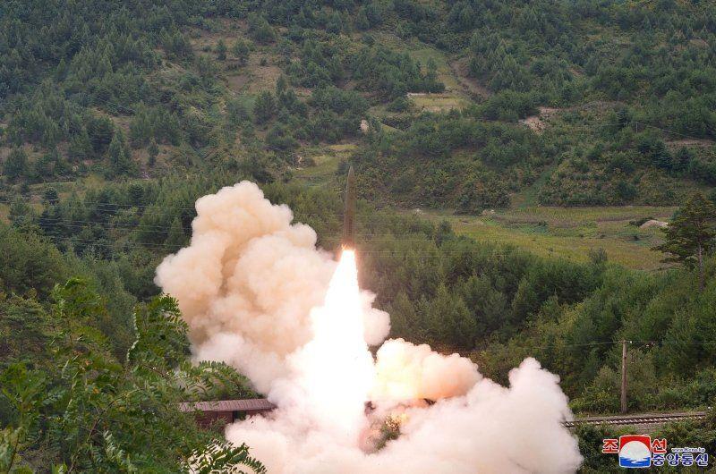 Kuzey Kore tüm dünyayı tedirgin eden görüntüleri yayınladı - Resim: 3