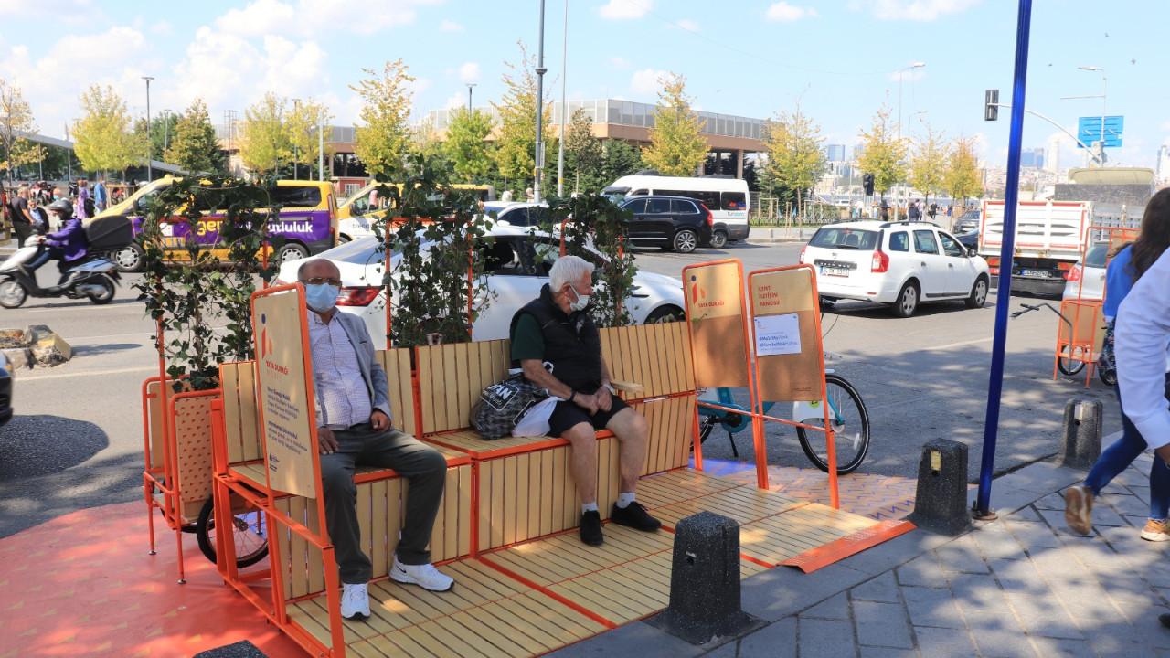 İstanbul'da bir ilk! Yayalara ve bisikletlilere özel otobüs durağı