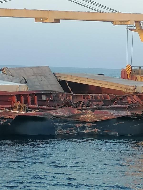 Bozcaada açıklarında iki gemi çarpıştı - Resim: 4