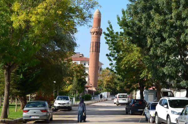 Pisa Kulesi'ne benzetiliyor! Eğik minare için harekete geçildi - Resim: 2