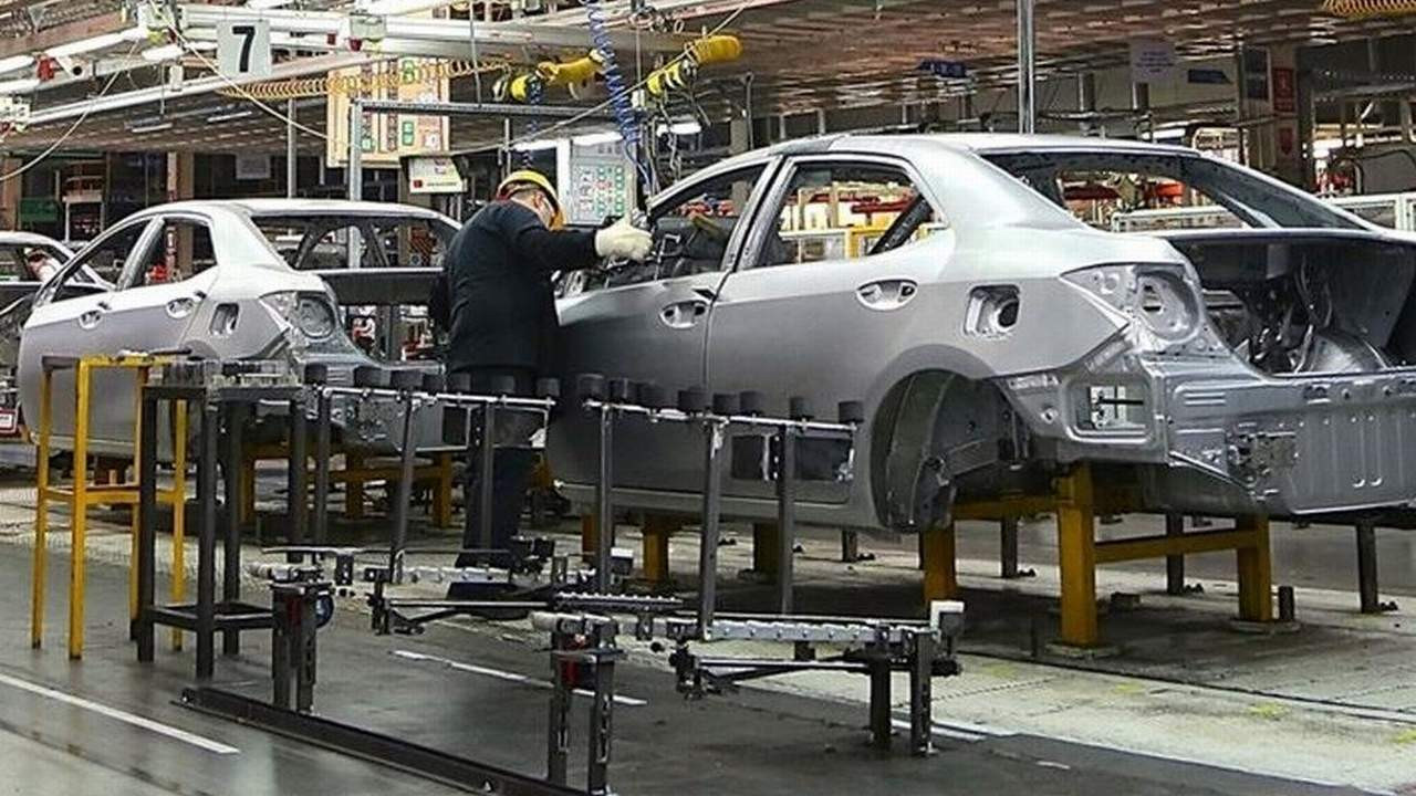 Otomobil devi Toyota üretime ara veriyor